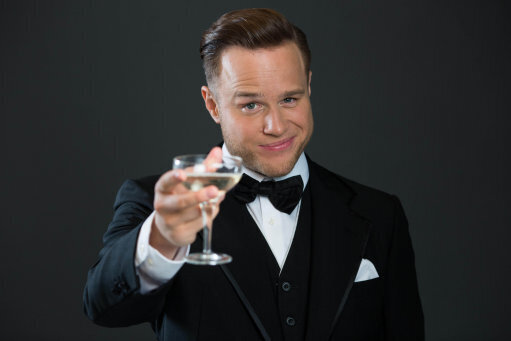 EMBARGOED TO 0001 WEDNESDAY MARCH 16 EDITORIAL USE ONLY Olly Murs impersonates Leonardo DiCaprio as he recreates the party scene from The Great Gatsby to launch the 'Party with…