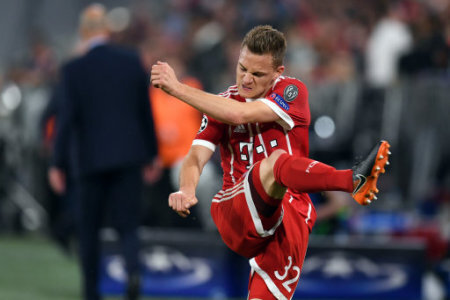 25 April 2018, Germany, Munich: Soccer, Champions League, knockout round, semi-final, first-leg, Bayern Munich vs. Real Madrid. Joshua Kimmich of Munich is annoyed after the lost…