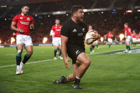 New Zealand All Blacks Inside Centre Conrad Smith R Cuts Through The Lions Defence
