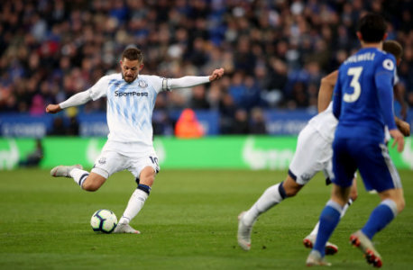 Everton's Gylfi Sigurdsson scores his side's second goal of the game during the Premier League match at the King Power Stadium, Leicester.